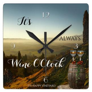 ワインの時のブドウ園の景色の時計 スクエア壁時計