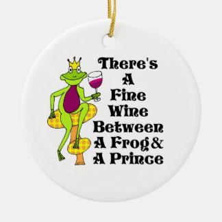"""ワインの王子""""カエル及び王子間の上質ワイン"""" セラミックオーナメント"""