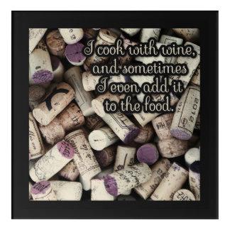 ワインはおもしろいな引用文のアクリルの台所壁パネルに栓をします アクリルウォールアート