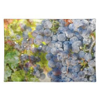 ワインを作ること準備ができたつる植物のブドウ ランチョンマット