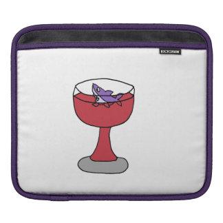 ワイングラスのおもしろいな鮫 iPadスリーブ