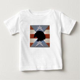 ワシが付いている愛国心が強い赤白青 ベビーTシャツ