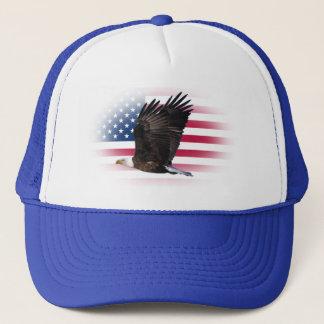 ワシのトラック運転手の帽子が付いている米国の旗 キャップ
