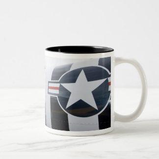ワシントン州のオリンピア、軍のairshow。 5 ツートーンマグカップ