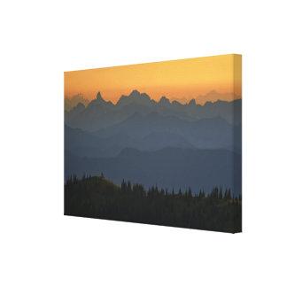 ワシントン州の滝上の日の出-レーニア山 キャンバスプリント