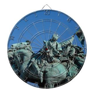 ワシントン州DC_の内戦の兵士の彫像 ダーツボード