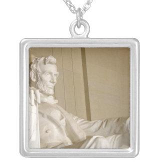 ワシントンD.C.、リンカーン記念館 シルバープレートネックレス