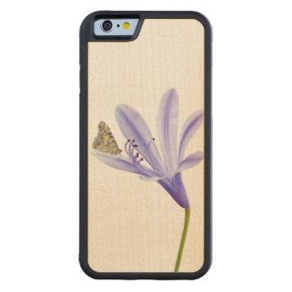 ワスレグサの花および蝶 CarvedメープルiPhone 6バンパーケース