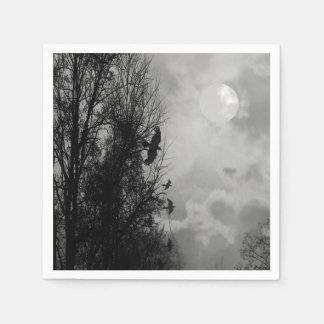 ワタリガラスのハロウィンのナプキンが付いている幽霊のよく出るな月 スタンダードカクテルナプキン