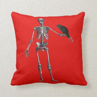 ワタリガラスのハロウィンの赤のクッションが付いている骨組 クッション