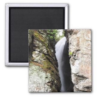 ワタリガラスの崖の滝の滝のヘレンGAの磁石 マグネット