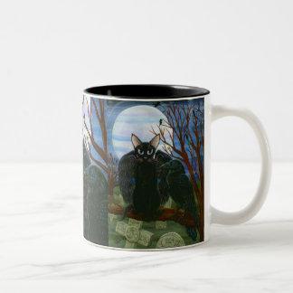 ワタリガラスの月の黒猫のカラスのゴシック様式ファンタジーの芸術のマグ ツートーンマグカップ