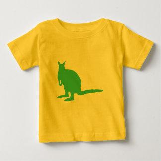 ワラビー。 緑の動物 ベビーTシャツ