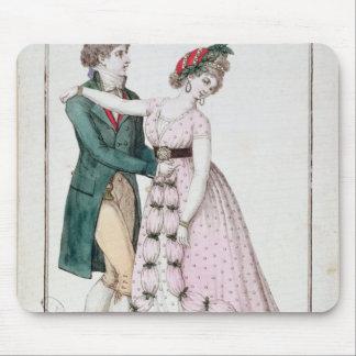 ワルツを踊るエレガントなカップル マウスパッド