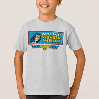 ワンダーウーマンのための投票 Tシャツ