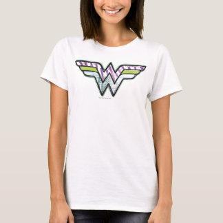 ワンダーウーマンのカラフルなスケッチのロゴ Tシャツ