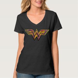 ワンダーウーマンのカラフルのロゴ Tシャツ