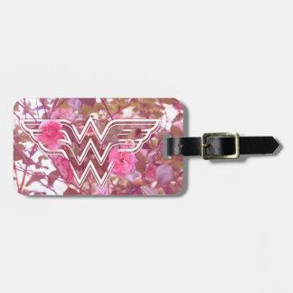 ワンダーウーマンのピンクのツバキによってはロゴが開花します ラゲッジタグ