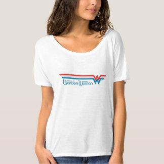 ワンダーウーマンの赤く白くおよび青のロゴ Tシャツ