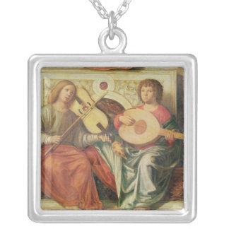 ヴァージンの絵画からの天使のミュージシャン シルバープレートネックレス