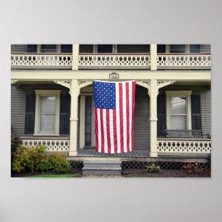 ヴァーモントのポーチの米国旗 ポスター
