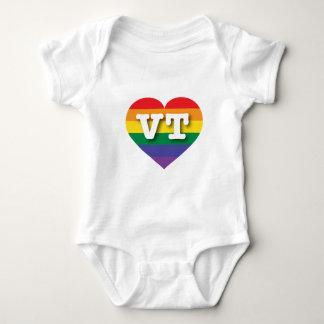 ヴァーモントゲイプライドの虹のハート-大きい愛 ベビーボディスーツ
