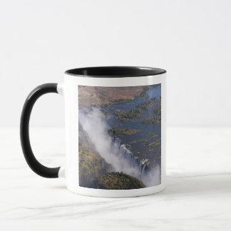 ヴィクトリア滝のZambesiの川、ザンビア-ジンバブエ マグカップ