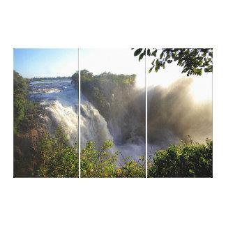 ヴィクトリア滝: 早朝の激流 キャンバスプリント