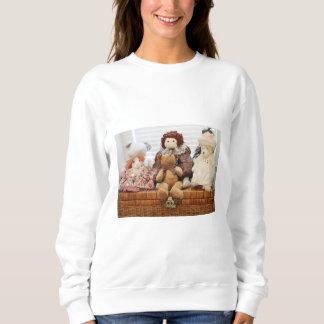 ヴィンテージのおもちゃ、くま、ウサギ、人形の写真撮影 スウェットシャツ