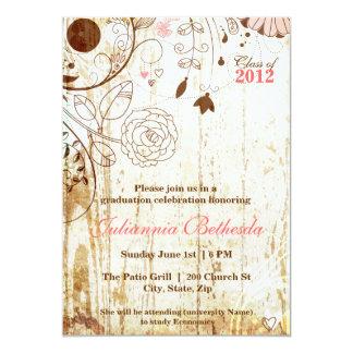 ヴィンテージのぼろぼろのシックな花の卒業の招待 12.7 X 17.8 インビテーションカード