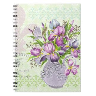ヴィンテージのぼろぼろの紫色の花のお洒落な緑 ノートブック