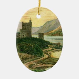 ヴィンテージのアイルランドの城を持つ幸運な金ゴールドのシャムロック セラミックオーナメント