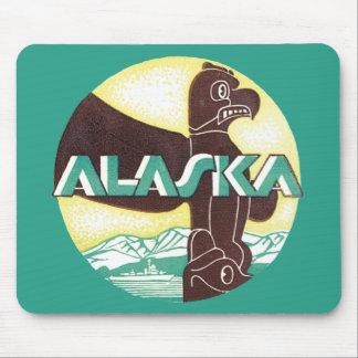 ヴィンテージのアラスカ旅行トーテムポールのワシの鳥 マウスパッド