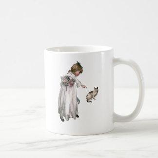 ヴィンテージのイラストレーションの~小さな女の子および猫 コーヒーマグカップ