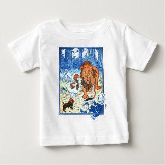ヴィンテージのオズの魔法使いのイラストレーション-ドロシー及びライオン ベビーTシャツ