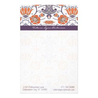 ヴィンテージのオレンジおよび紫色の渦巻形のな花の文房具 便箋
