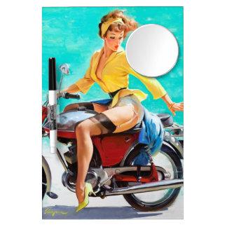 ヴィンテージのオートバイのライダーのGil Elvgrenのピンナップの女の子 ミラー付きホワイトボード