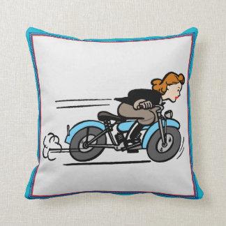 ヴィンテージのオートバイの女の子の枕 クッション