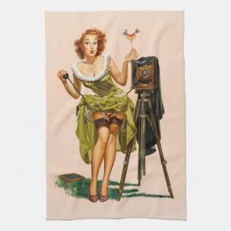 ヴィンテージのカメラのピンナップの女の子 キッチンタオル