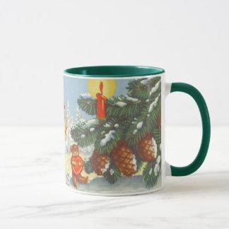 ヴィンテージのクリスマス、雪の森林冬の小妖精や小人 マグカップ