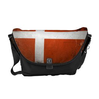 ヴィンテージのグランジなデンマークの旗 メッセンジャーバッグ