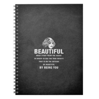 ヴィンテージのグランジな美しい絶対必要の開始 ノートブック