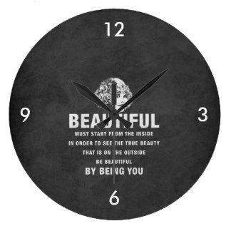 ヴィンテージのグランジな美しい絶対必要の開始 ラージ壁時計
