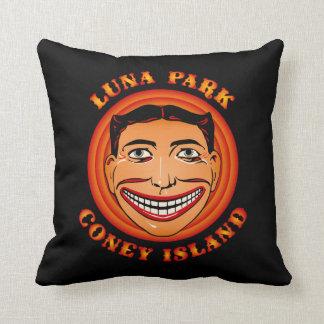 ヴィンテージのコニーアイランドのおもしろいな顔Tillieルナパーク クッション