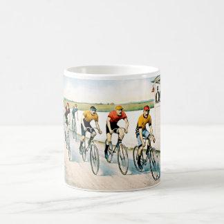 ヴィンテージのサイクリストの競争のギフトのマグ コーヒーマグカップ