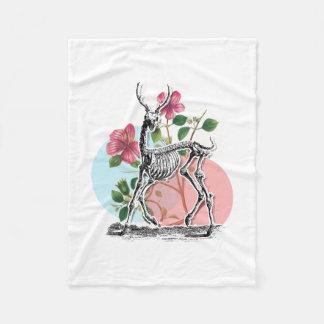 ヴィンテージのシカの骨組および花 フリースブランケット