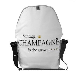 ヴィンテージのシャンペンは答えのメッセンジャーバッグのしわです クーリエバッグ