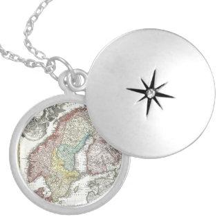 ヴィンテージのスカンジナビア人の地図 シルバープレートネックレス