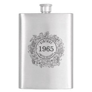 ヴィンテージのデマのワインのスタンプは、誕生年を加えます フラスク