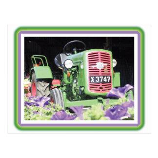 ヴィンテージのトラクターの花 ポストカード